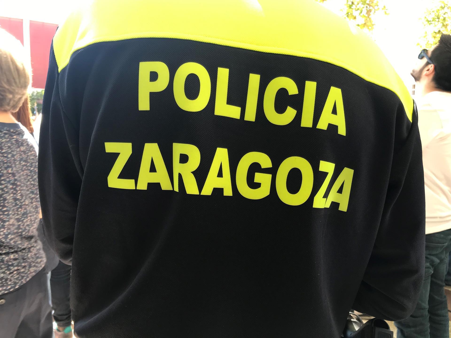 La Policía Local de Zaragoza realiza 537 multas por no llevar mascarilla y 115 por botellones - EUROPA PRESS - Archivo